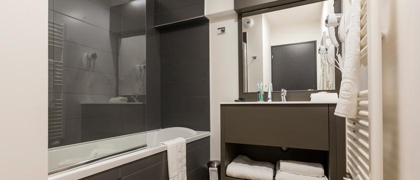france_chamonix_residence-isatis_apartment-interior-bathroom.jpg
